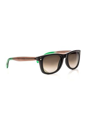 Graduating Wayfarer sunglasses