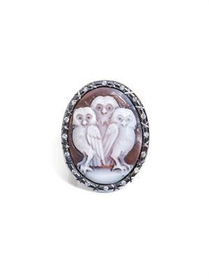 Diamond & sardonyx shell owl-trio cameo ring