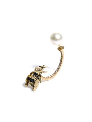 Diamond, sapphire & pearl bee single earring