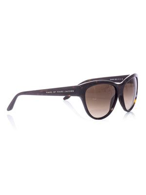 Upswept eye sunglasses