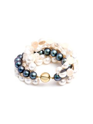 White and peacock pearl bracelet