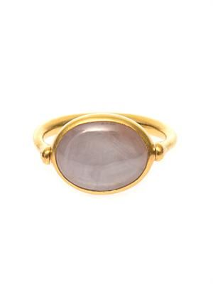 Star sapphire and yellow-gold ring