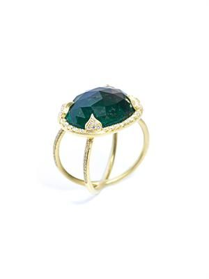 Emerald, diamond and yellow gold ring