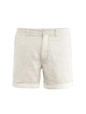 Short Bermuda shorts