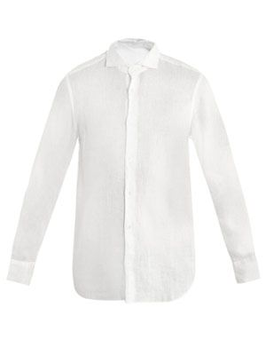 Cut-away collar shirt