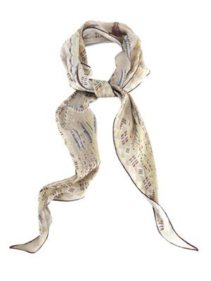 Necker triangle scarf