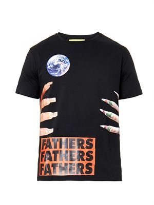 Nails and fathers-print T-shirt