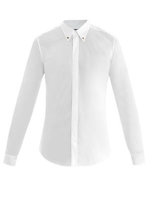 Buttoned-down collar shirt