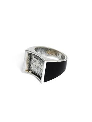 Curved half enamel inlay ring
