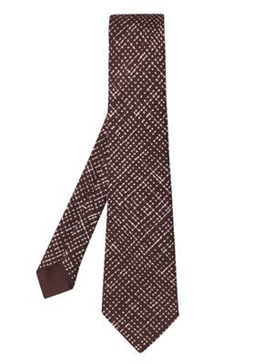 Broken dot and diagonal-stripe tie