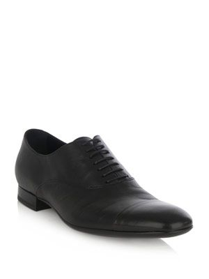 Lace-up formal shoe