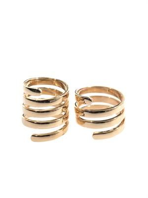 Twist-effect rings