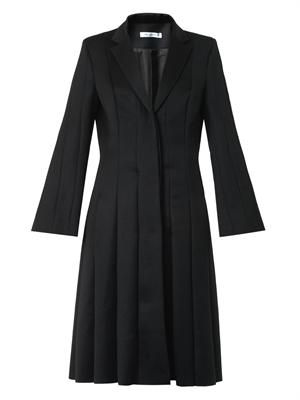 Multi-seam tailored coat