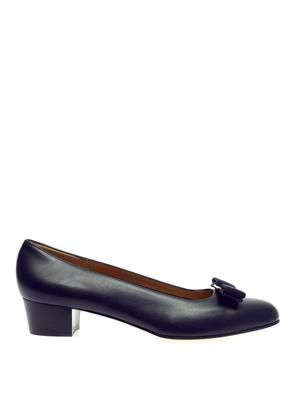 Vara front-bow leather pumps