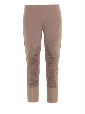 Three-quarter length performance leggings