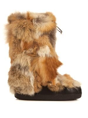 Patchwork fur ski boot