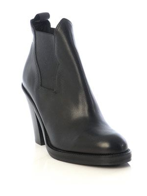 Star Chelsea boots
