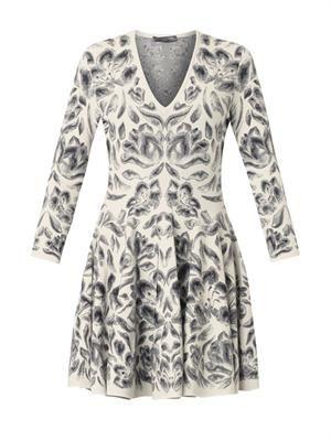 V-neck tulip-jacquard dress