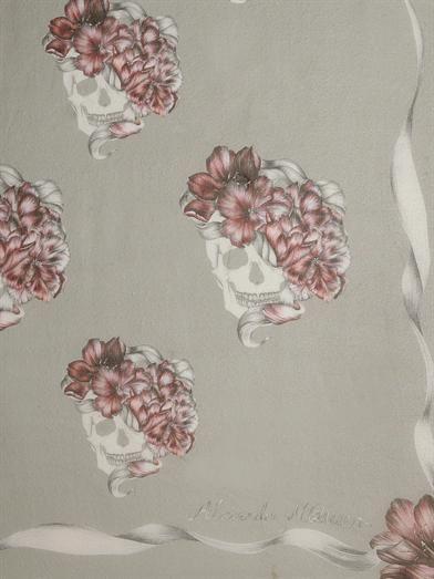 Alexander McQueen Romantic skull-print silk scarf
