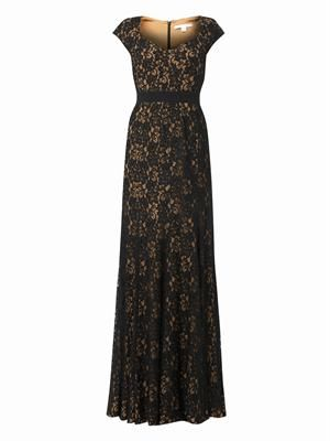 Sweetheart-neckline lace gown