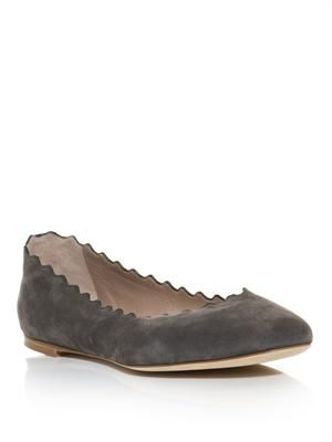 Scalloped edge flats