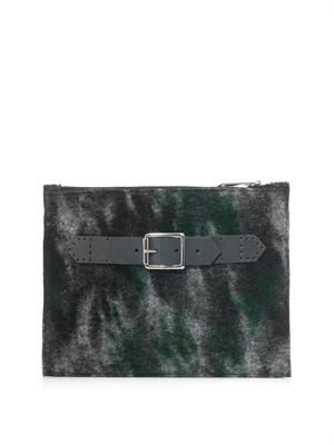 Front strap camouflage clutch