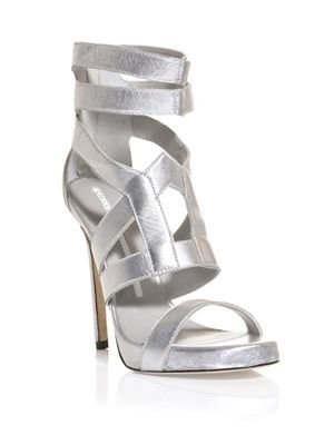 Bar ankle strap sandals
