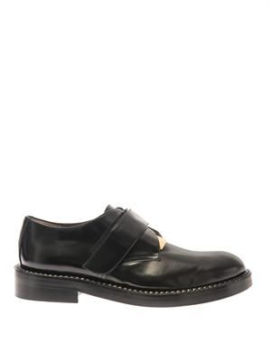 Metal-plate leather loafers