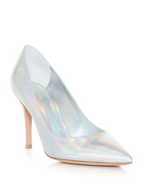Hologram point-toe shoes