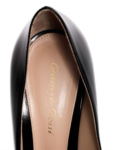 Gianvito Rossi Almond-toe leather pumps