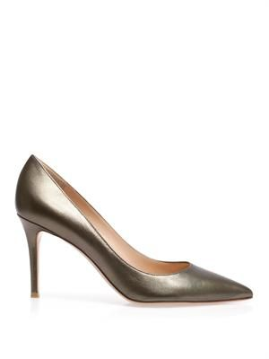 Point toe leather pumps