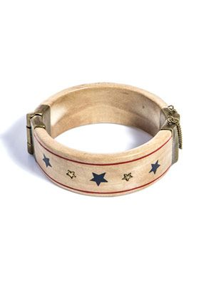 Wooden star-print bangle