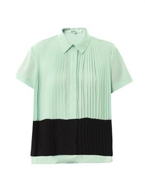 Bi-colour pleated top