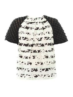 Palm-print contrast sleeve blouse