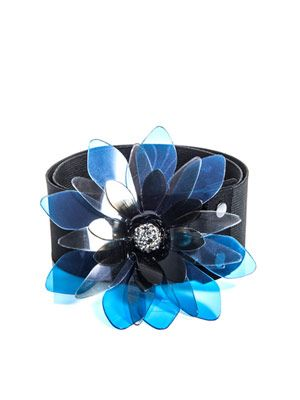 Les Grenadine brooch belt