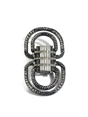 Art-deco brooch belt