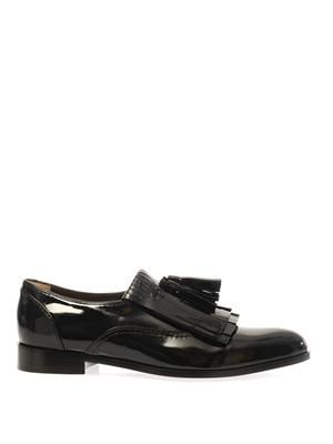 Boyish patent leather shoes