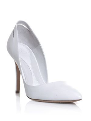 Slash lacquered heel shoes