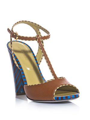 Contrast T-bar sandals
