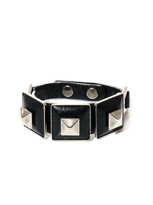Square pyramid leather bracelet