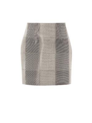 Liquid-check neoprene skirt