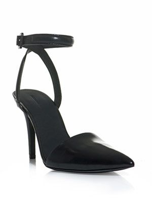 Lovisa point-toe shoes