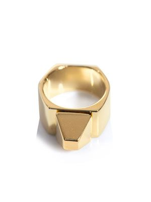 Clous de Paris pyramid ring