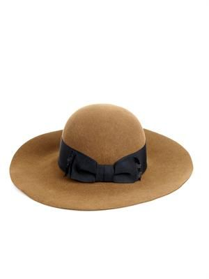 Wide-brimmed fur-felt hat
